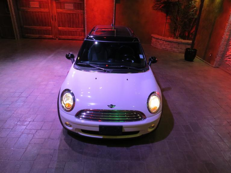 Used 2009 MINI Cooper Clubman *Sunroof!, Bluetooth, Htd. Seats!* for sale $9,955 at Auto Show Sales and Finance in Winnipeg MB R3Y 1G5 2