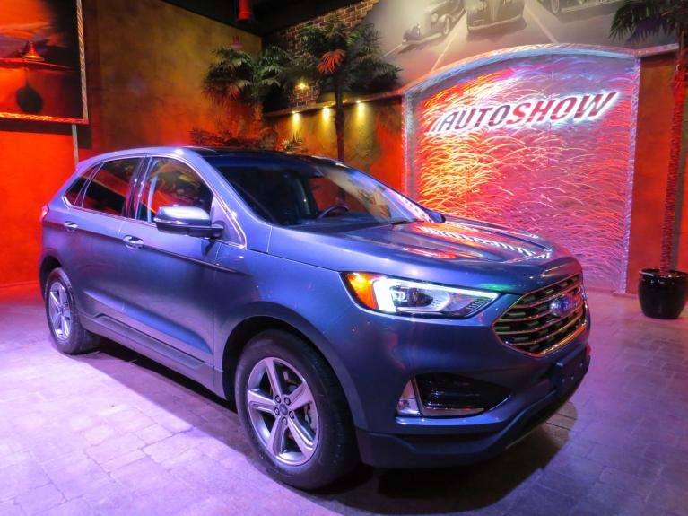 Used 2019 Ford Edge SEL AWD - Nav, Pano Roof, Htd Seats, R.Start! for sale $30,675 at Auto Show Sales and Finance in Winnipeg MB