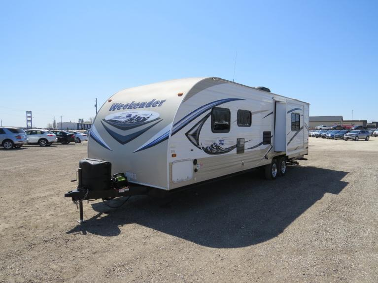 Used 2014 Skyline Weekender Joey 279 w/ Bunks, Slide-Out & Full Bath Tub! for sale $19,800 at Auto Show Sales and Finance in Winnipeg MB