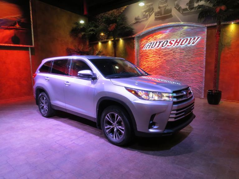 Used 2019 Toyota Highlander LE Plus AWD - 8 Pass, B.up Cam, Gorgeous! for sale $34,999 at Auto Show Sales and Finance in Winnipeg MB