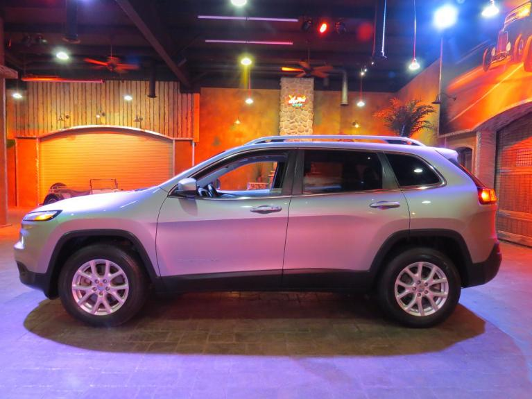 Used 2016 Jeep Cherokee North *Htd Seats & Wheel, uConnect, V6 & 4WD* for sale $22,995 at Auto Show Sales and Finance in Winnipeg MB R3Y 1G5 2