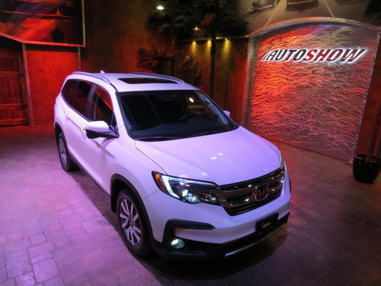 Used 2019 Honda Pilot *EX-L w/Navigation AWD, Sunroof, Htd Seats!* for sale $43,800 at Auto Show Sales and Finance in Winnipeg MB R3Y 1G5 1