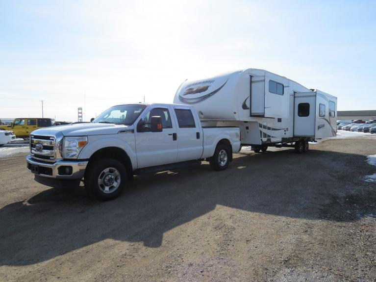 Used 2014 Ford Super Duty F-250 *Truck & Trailer COMBO! w/ 2012 SKYLINE 32RKS* for sale $56,400 at Auto Show Sales and Finance in Winnipeg MB