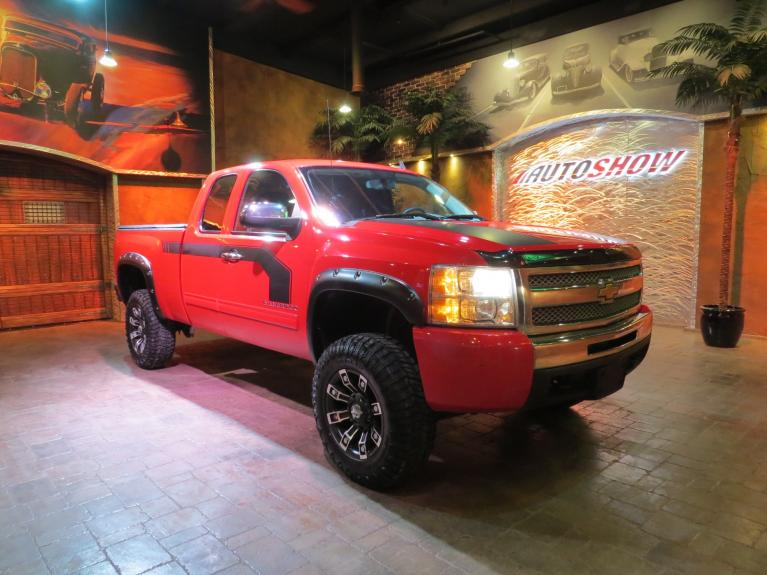 Used 2011 Chevrolet Silverado 1500 LIFTED and Accessorized!!  6.5 Box & LOW K!! for sale $18,800 at Auto Show Sales and Finance in Winnipeg MB R3Y 1G5 2