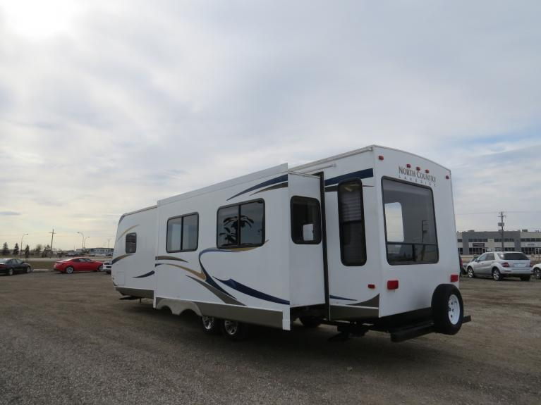 Used 2011 Heartland North Country Lakeside 291RLS - 33ft. Couples Camper! for sale $18,600 at Auto Show Sales and Finance in Winnipeg MB