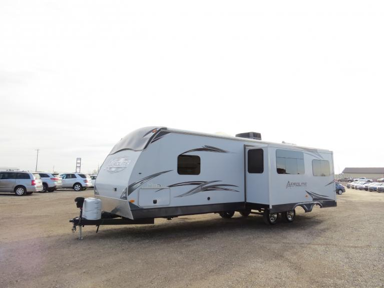 Used 2012 Aerolite Dutchmen 318BHSS *Double Slide, Bunkhouse! Sleeps 10+* for sale $24,800 at Auto Show Sales and Finance in Winnipeg MB R3Y 1G5 2