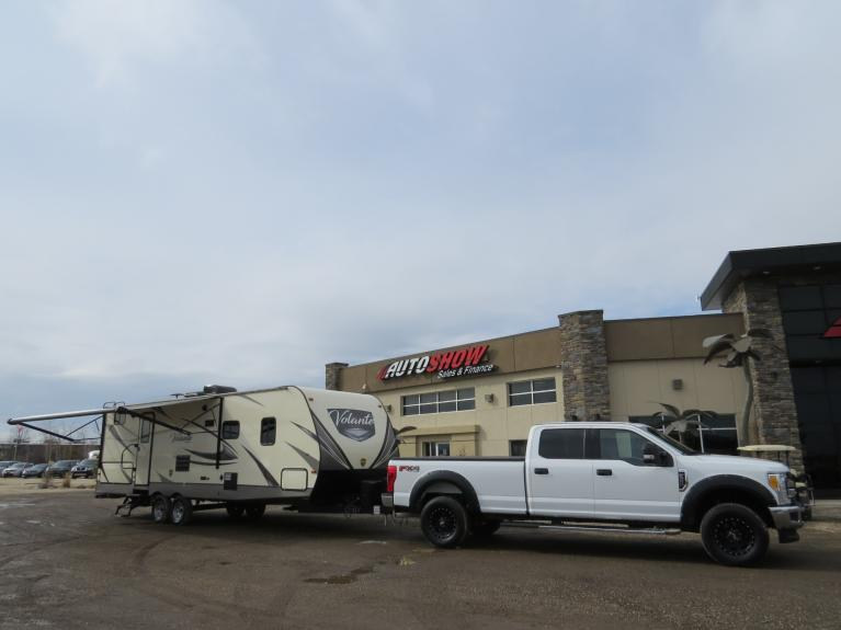 Used 2017 Ford F-350 XLT COMBO w/ 2019 Volante 28BH Camper for sale $72,655 at Auto Show Sales and Finance in Winnipeg MB R3Y 1G5 1