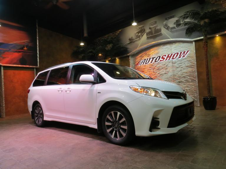 Used 2018 Toyota Sienna LE *AWD* Safety Sense, Pwr Sliders! for sale $33,800 at Auto Show Sales and Finance in Winnipeg MB