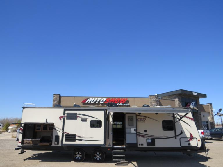 Used 2017 Forest River Tracer 3200BHT - Luxury Triple Slide Bunkhouse! for sale $33,800 at Auto Show Sales and Finance in Winnipeg MB