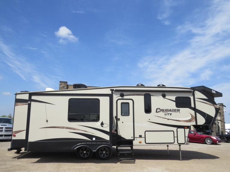 Used 2017 Prime Time Crusader 27RK - 32 FT COUPLES CAMPER!  IMMACULATE!! for sale $34,800 at Auto Show Sales and Finance in Winnipeg MB R3Y 1G5 2