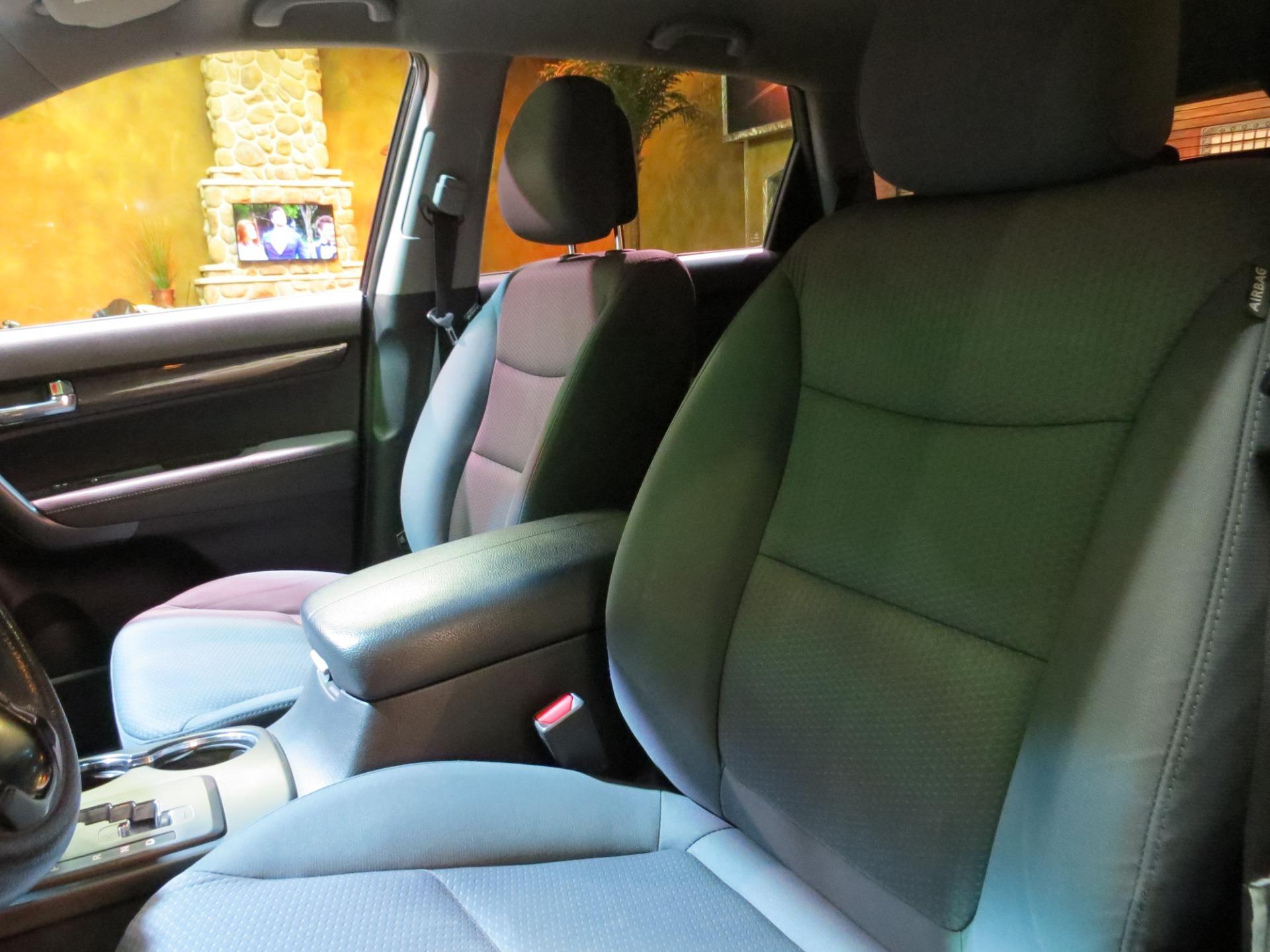 used 2013 Kia Sorento car, priced at $7,600